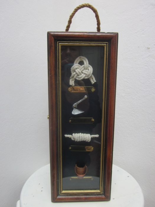 Beverage box with nautical display - Wood, copper and glass