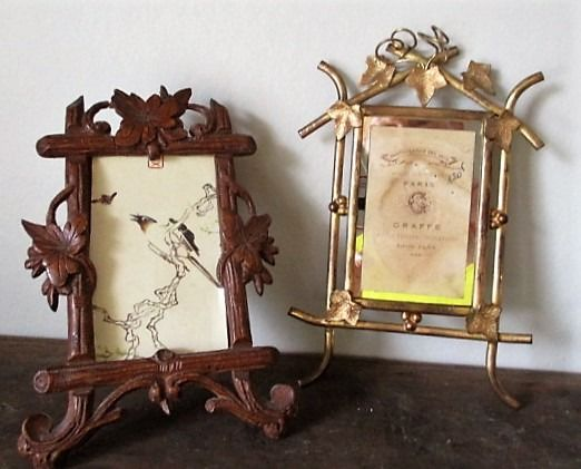 Two photo frames with grape sculpture - oa Black Forest - Glas - Ca 1890