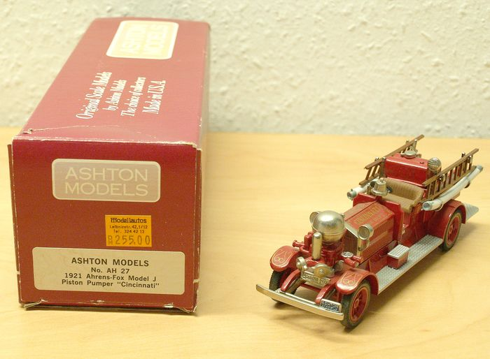 "Ashton Models - 1:43 - AH 27  1921 Ahrens-Fox model J Piston pumper ""Cincinnati"""