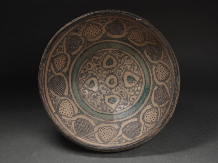 Bowl (1) - Pottery - Timurid dynasty bowl - Persia - 14th / 15th century
