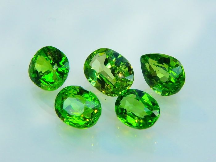 5 pcs Green Tsavorite Garnet - 3.02 ct