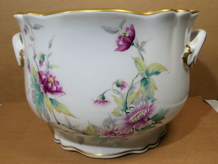 Limoges Selection - Very large decorated cachepot - Porcelain