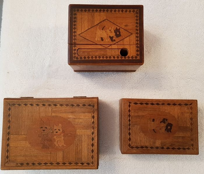 3 Cigarette boxes - marquetry with dogs - Wood