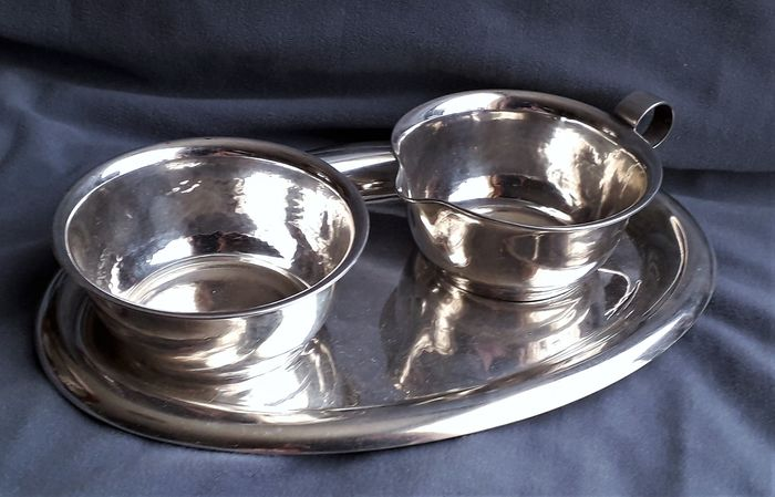 Antique silver 3-piece hammered cream set (3) - .835 silver - Kaeser & Uhlmann - Germany - Early 20th century