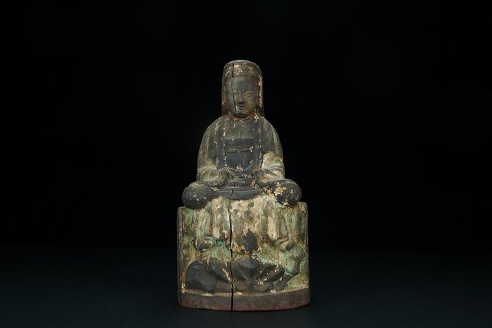 Carving - Sycamore - Guanyin - China - 19th century
