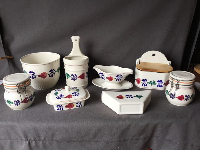 Gorgeous Boerenbont tableware by Boch - various objects - porcelain