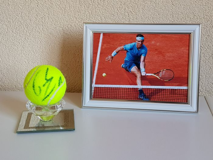 Tennis - Rafael Nadal - Signed new tennis ball in display + framed photo
