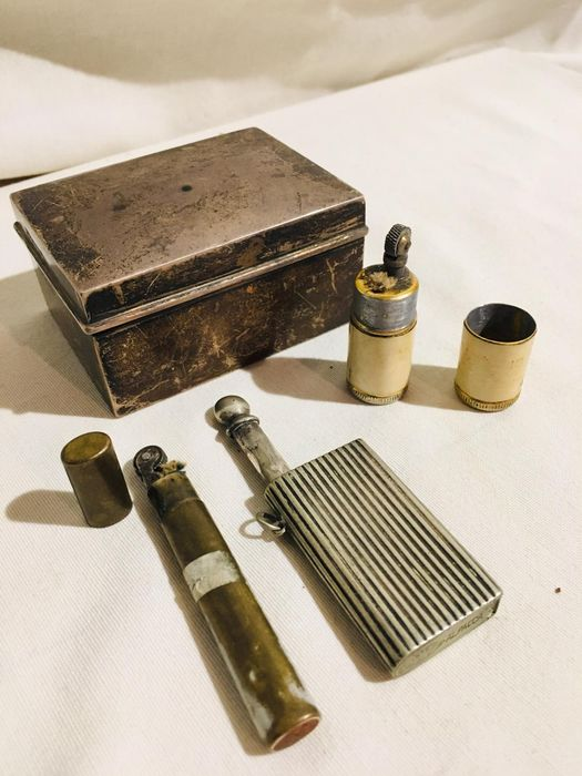 3 old wheel lighters with original box - 1880 (4) - silver plated metal - brass
