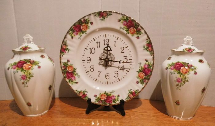 royal albert old country roses - clock and 2 stock pots with lids - porcelain
