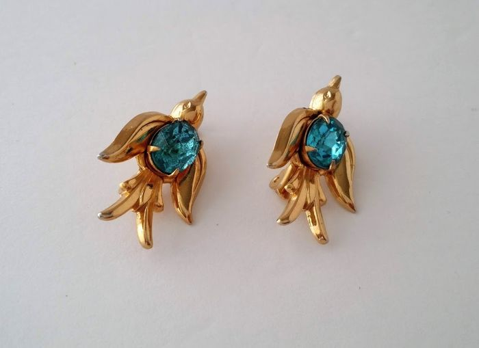 Coro Pegasus Gold-plated - Bird Scatter Pin Brooch - Catawiki
