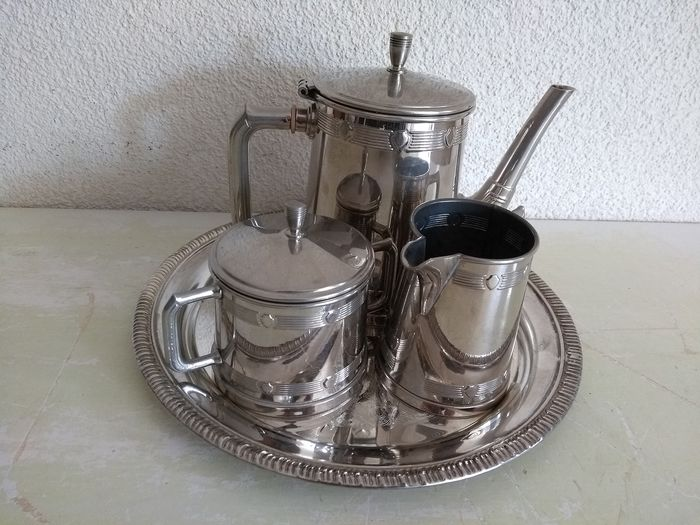 Beautiful silver-plated English coffee set on tray - Silver plated - U.K. - 1900-1949