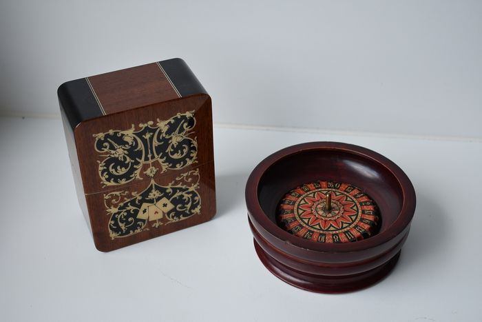 card game holder - roulette (2) - Wood- Cherry, Metal
