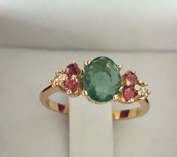 18 kt. Gold - Ring - 0.94 ct Tourmaline - Tourmaline Diamonds