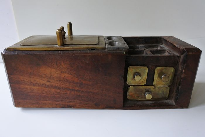 Extremely rare! Antique Diamond Sorting box - Mahogany wood - Copper - Lead