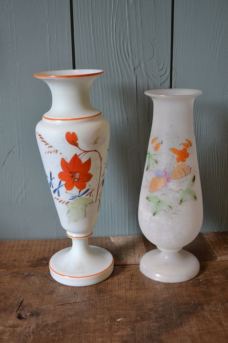 Two glass opaline vases (2) - Glass