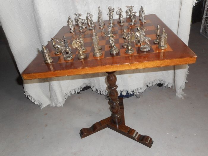 Chess table - Wood