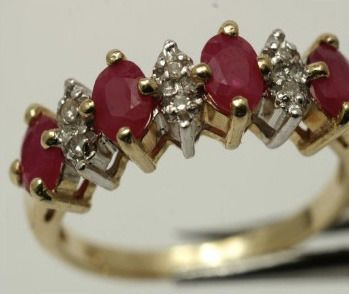 14 kt. Yellow gold - Ring Ruby - brilliant