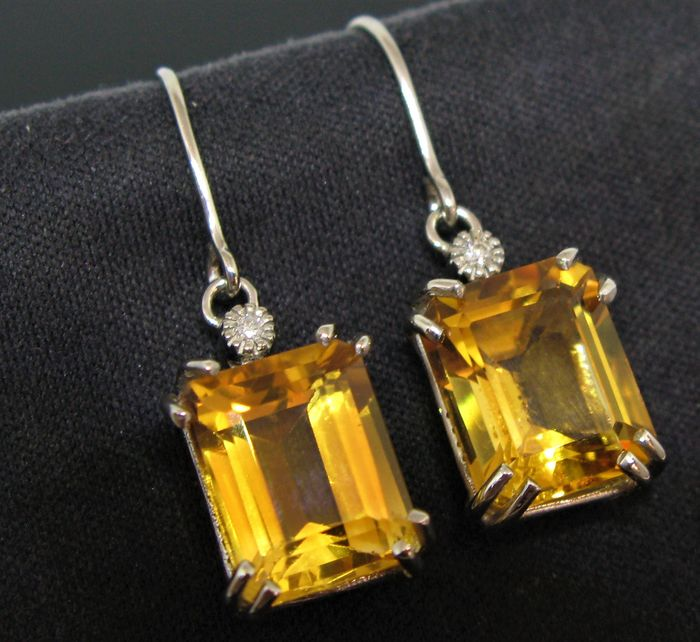 9 kt White gold - Earrings - 8.60 ct 2 citrines octagonal-faceted-cut  - 2 diamonds round brillant-cut ct 0,04 F/VVS1