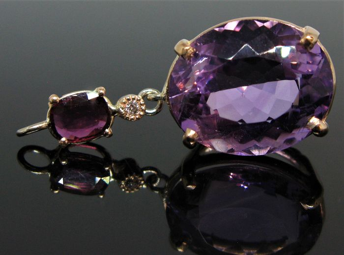 No reserve price - 9 kt Pink gold - Pendant - 11.50 ct Amethyst - ruby ct 0,71 and 1 diamond round brillant-cut ct 0,02 F/VVS