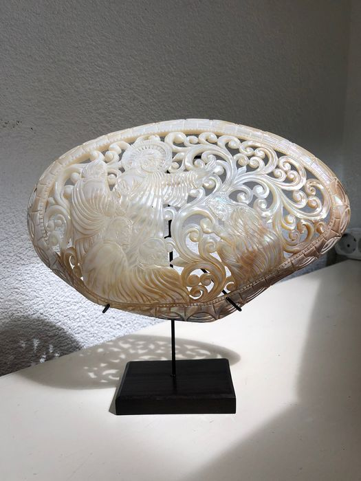 Sooka Interior - Large engraved Mother of Pearl Shell - Christian Bible Scene carving - Pelecypoda Mollusca Shell