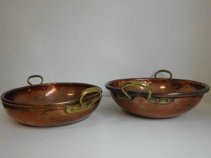Two bowls or jam pans - Copper