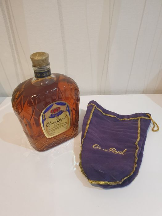 Crown Royal Fine de Luxe - Seagram & Sons Limited - b. 1980s - 1.14 Liter