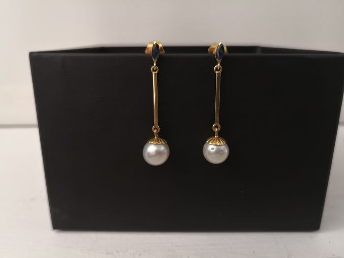 18 kt. South sea pearls, 9 mm White natural color and luster  - Earrings - Sapphires