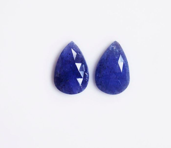 2 pcs  Tanzanite - 8.20 ct