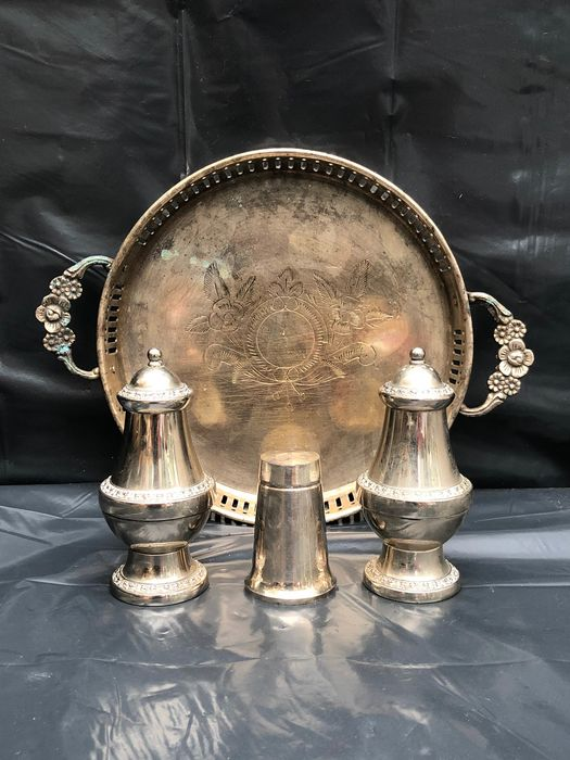 EPNS - Tray, Shakers - Silverplate