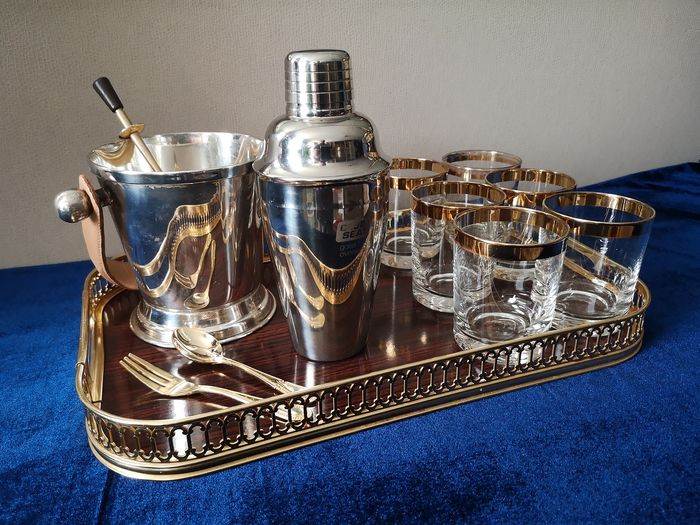 FLAMANT - 12 Piece gold-plated bar set on tray - gold plated stainless steel 18/10