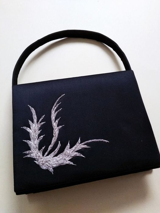 Old black silk bag with silver thread embroidery. S XIX - Silk. Embroidery. Inner lining.
