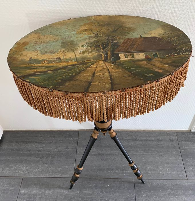 Table on tripod with painting - Napoleon III Style - Textiles, Wood