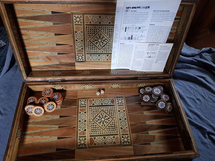 travel chess game / backgammon (1) - Baroque - Mother of pearl, Wood
