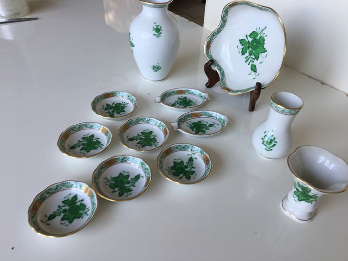 Herend - Set of apponyi green accessories (12) - Porcelain