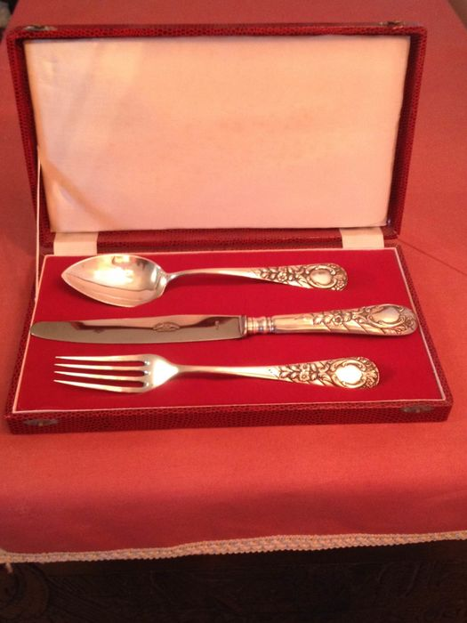 Set of three cutlery in a Box (4) - .833 silver - Portugal - Early 20th century
