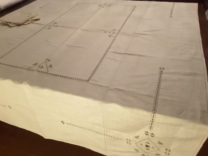 Tablecloth and napkins (7) - Linen