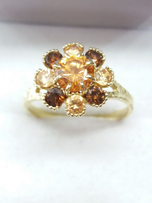 14k/14ct - Floral Design Citrine and Smoky Quartz Cluster Ring