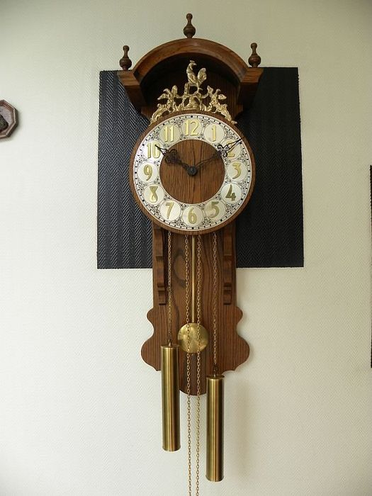 Wall clock with roof - Copper, Wood