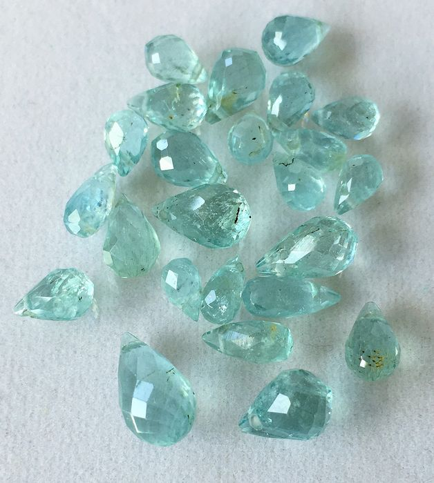 24 pcs blueish rays Aquamarine - 33.13 ct
