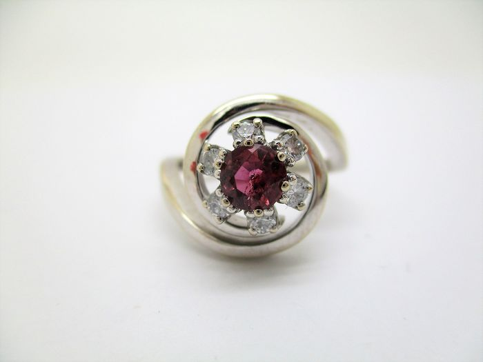 18 kt. White gold - Ring - 0.40 ct Ruby - Diamonds