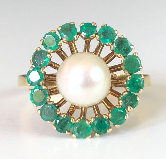 18 kt. Yellow gold - Ring - 1.28 ct Emerald - Pearl 7.2 mm