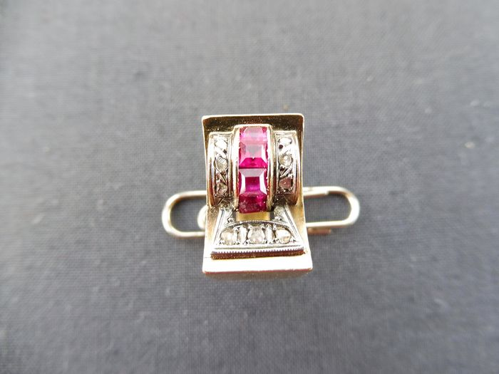 19,2 kt. Yellow gold - Ring - 4.00 ct Ruby - Diamonds