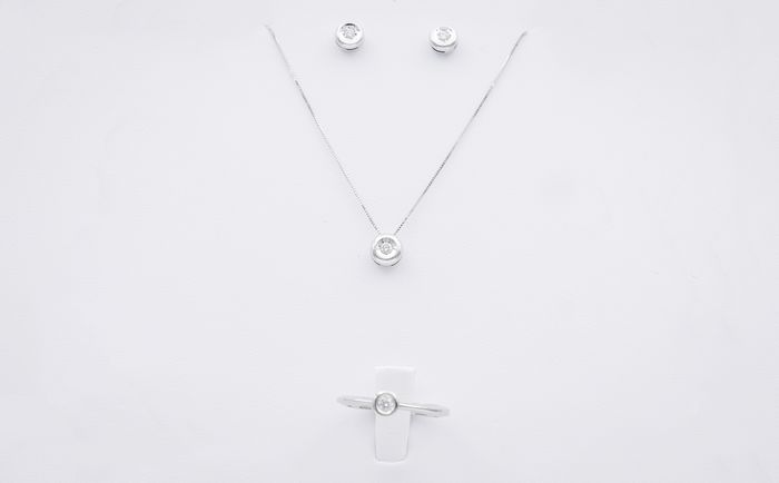 18 kt. White gold - Earrings, Necklace with pendant, Ring - 0.32 ct Diamond - Diamond