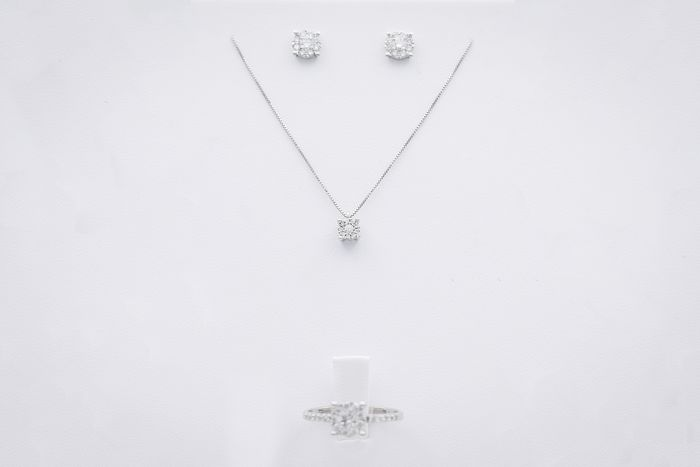 Gioielleria Corvino - 18 kt. White gold - Earrings, Necklace with pendant, Ring - 1.44 ct Diamond - Diamond