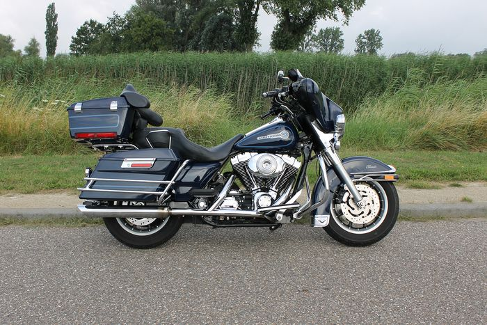 Harley-Davidson - Electra Glide Classic - Peace Officer Special Edition - 1450 cc - 2005