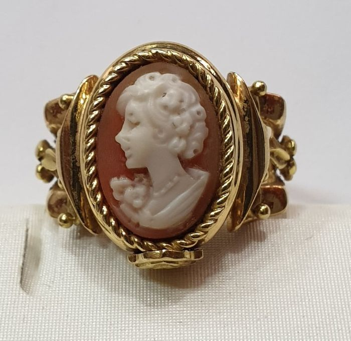 18 kt yellow gold - Cameo ring