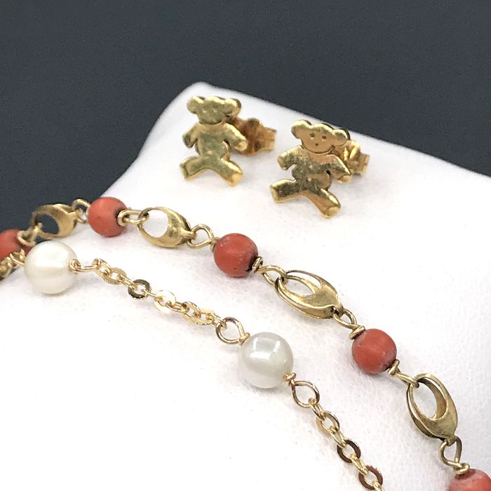 18 kt. Yellow gold - Set Coral