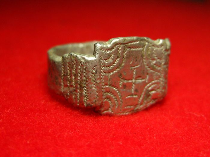 Byzantine Silver ring with Cross - Silver - 11th century