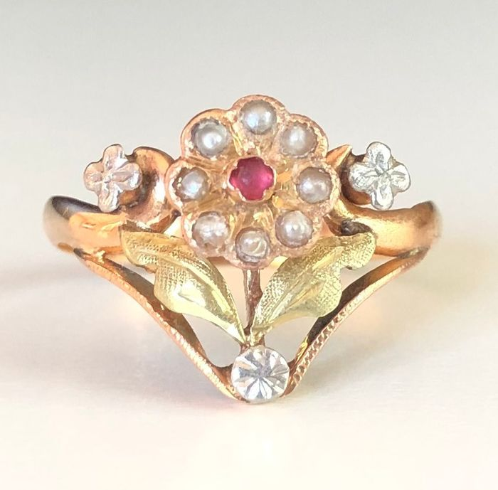 18 kt. Pink gold, Platinum, Green gold - Ring - 0.02 ct Ruby - Pearls