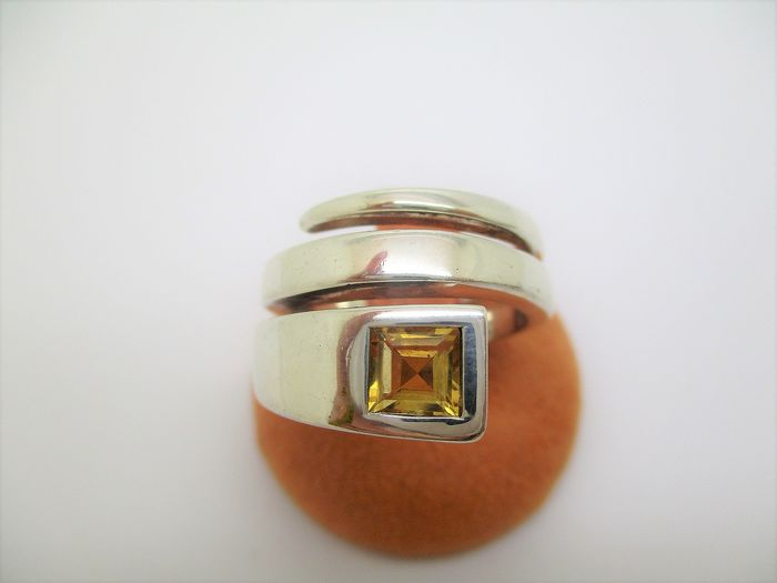 Gucci - 925 Silver - Ring - 0.75 ct Topaz